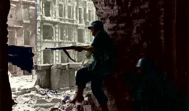 Most Famous Warsaw Uprising Photos – Battle for a church